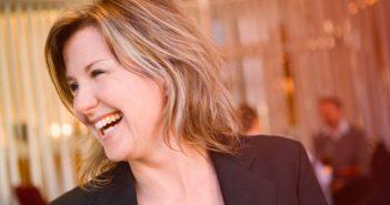 Den glada mötesarkitekten Louise Palmstierna intervjuas av Mötesbranschen.se.